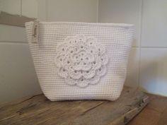 Crochet Pouch, Crochet Purses, Knit Crochet, Crochet Bags, Crafts To Do, Diy Crafts, Diy Bags Purses, Beautiful Crochet, Textiles