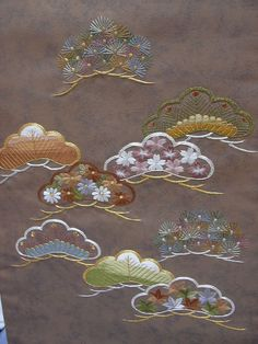 Japanese Embroidery Kimono www. Chinese Embroidery, Sashiko Embroidery, Brazilian Embroidery, Learn Embroidery, Hand Embroidery Patterns, Embroidery Kits, Embroidery Stitches, Embroidery Scissors, Embroidery Books
