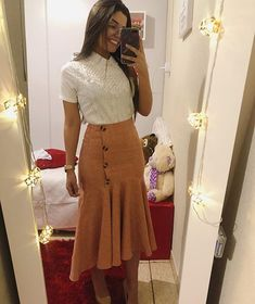 Moda evangelica jovem feminina Super Ideas in 2020 Modest Dresses, Modest Outfits, Skirt Outfits, Modest Fashion, Casual Outfits, Fashion Dresses, Cute Outfits, Cute Church Outfits, Look Office