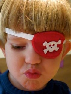 DIY A Quick Pirate Eye Patch DIY Halloween DIY Costume