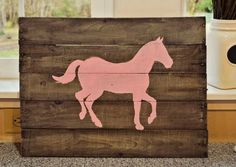 Discover thousands of images about Mason Jars and Lemon Bars: DIY Pallet Board Horse Sign Baby Crafts, Fun Crafts, Horse Camp, Used Pallets, Horse Birthday, Horse Party, Horse Silhouette, Pallet Boards, Horse Gifts
