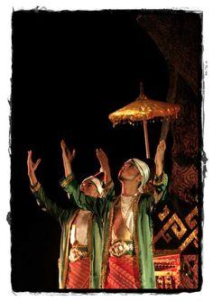 The Maulana asked for aid to God. [rovitavare]