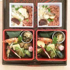 The kaiseki bento boxes distributed at Myououin's tea ceremony from Kou #food #foodie #foodporn #foodlover #instafood #instalunch #instafoodie #bento #bentobox #yummy #myououin #japanesefood #japanesefoodlover #kamakura #kou #kaiseki #懐石料理 #弁当 #虹 #お茶会 #明王院 #鎌倉 by hirokofuruyaa