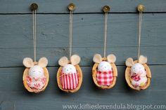 Kifli és levendula: Egérkék dióhéjban - little mice in nutshells Mouse Crafts, Felt Crafts, Diy And Crafts, Crafts For Kids, Shell Crafts Kids, Handmade Christmas Crafts, Christmas Art, Christmas Decorations, Christmas Ornaments