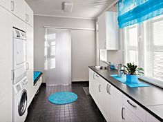 I love the blue Laundry Room Inspiration, Wooden House, Living Room Designs, Sweet Home, New Homes, Kitchen Cabinets, Interior Design, Bathroom, Furniture