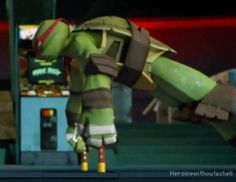 Raph's hot push-ups<3 Yeah not obsessing ovr anything here .