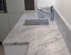 Risultati immagini per piano cucina marmo carrara | Cucine ...