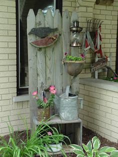 Sweetpeas Primitives: Some Outdoor Garden Picks You are in the right place about flower garden ideas Garden Junk, Lawn And Garden, Garden Whimsy, Garden Crafts, Garden Projects, Rustic Gardens, Outdoor Gardens, Deco Champetre, Small Front Porches