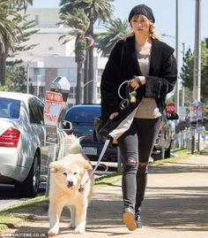 Suki Waterhouse Off Duty Street Style Inspiration