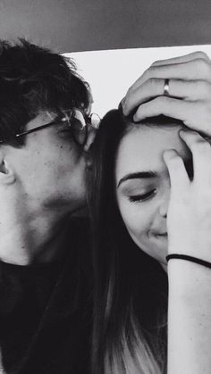 Kisses with your boyfriend that are worthy of a selfie, couple goals Relationship Goals Tumblr, Cute Relationship Goals, Cute Relationships, Couple Relationship, Marriage Goals, Relationship Pictures, Successful Relationships, Couple Tumblr, Tumblr Couples