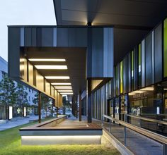 Flinders Street Revitalisation / Cox Rayner Architects. Idea for addition to Worship Center.
