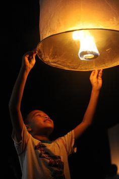 Loy Krathong - golden lanterns