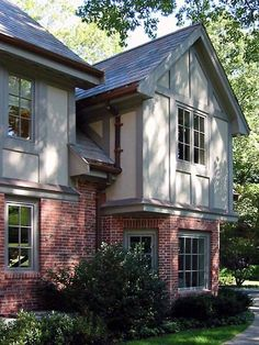 Tudor Home Design, Pictures, Remodel, Decor and Ideas - page 2 Tudor Exterior Paint, Tudor House Exterior, Exterior Paint Colors For House, Paint Colors For Home, Modern Exterior, Exterior Design, Paint Colours, English Tudor Homes, Tudor Style Homes