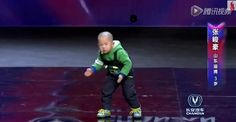 This 3-year old just pulled off the most adorable and awesome audition ever.