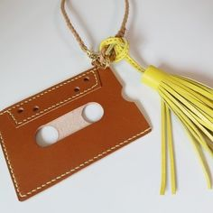 #카드케이스 #태슬 #가죽태슬케이스 #가죽공예 #가죽가방 #레더캄 #leathercalm #handstich #handmade #leatherwork #leathercraft #s - leather_calm