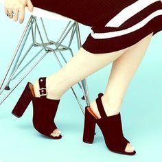 Suede Peep Toe Mule Super chic Open toe Mule by Steve Madden! Steve Madden Shoes Mules & Clogs