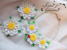 Set of necklace and elastics/clips for hair por FlowerFairyAlena