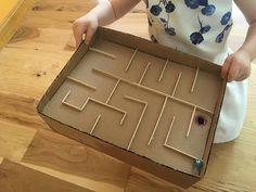 Proyectos creativos para niños: El laberinto de la caja de cartón