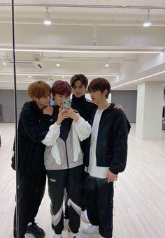Choreography Videos, Dance Videos, Exo Red Velvet, Favorite Son, K Pop Star, Starship Entertainment, Photo Wallpaper, Kpop Groups, K Idols