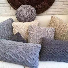 Crochet Home, Love Crochet, Knit Crochet, Knitted Cushions, Knitted Blankets, Knitting Projects, Knitting Patterns, Creation Couture, Crochet Pillow