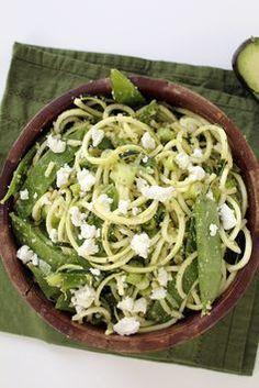 Wer auf Kohlenhydrate verzichten will, muss nicht mehr auf Pasta verzichten: Gemüsenudeln schmecken mindestens genauso gut! ► ELLE.de