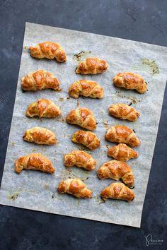 Lust auf ein mega feines Rezept für Schinkengipfeli? So bereite ich das Apero-Fingerfood schon seit Jahren zu und ich liebe es. Tandoori Chicken, Foodblogger, Snacks, Easy Peasy, Ethnic Recipes, Dips, Inspiration, Sandwich Spread, New Recipes