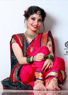 Nose Ring Jewelry, Silhouette Photography, Glamorous Makeup, Beautiful Girl Photo, Alia Bhatt, Anklet, Girl Photos, Sari, Glamour