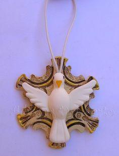 http://www.elo7.com.br/lembrancinha-pendente-divino-bege/dp/26E074