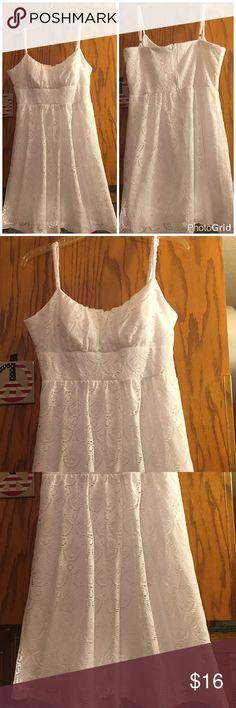B smart dress white