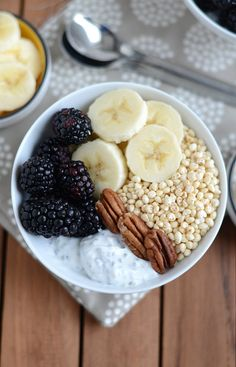 Chia Yogurt Bowl #fitfluential #EATIngredients -1 medium size container of Fage Greek Yogurt 0% or about 2 cups -1/2 cup of kefir (any flavor..I used strawberry. You could also sub almond milk) -1 tablespoon honey -1/4 cup chia seeds -Toppings: puffed cereal, sliced bananas, blackberries, walnuts, and more honey