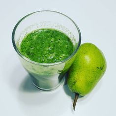 #green 🌱🌿😍 #jarmuż #gruszka #instafood #instagood #foodporn #healthyfood #health #omnomnom #pear #banan #cocktail #koktajl #lovethisdrink #drinking #kale #cole #banana #water #nice #tasty #goodtaste #goodfood #fit #befit #tobefit #happy #colour #drink #greencocktail