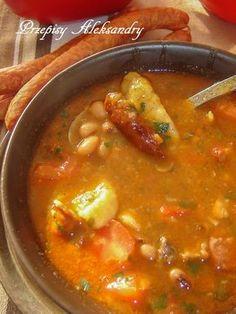 ZUPA WĘGIERSKA Z BIAŁĄ FASOLĄ I KLUSECZKAMI Kitchen Recipes, Soup Recipes, New Recipes, Dinner Recipes, Cooking Recipes, Healthy Recipes, Skinny Blueberry Muffins, Indian Food Recipes, Ethnic Recipes