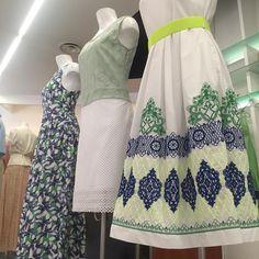 """Donne Vincenti su Instagram: """"Prepariamo le nuove vetrine! #windowdisplay #donneVincenti #saldi #occasioni #fashion #summer2015 #clothes #Alba #danonperdere #igersmoda"""""""