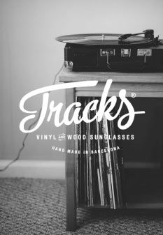 Trackswear Barcelona. Vinyl and wood sunglasses