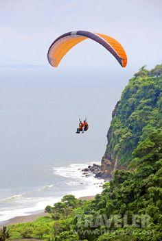 Paragliding, Costa Rica