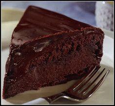 ΘΕΙΚΗ ΣΟΚΟΛΑΤΙΝΑ ΨΥΓΕΙΟΥ ΚΟΜΜΑΤΙΑ 16 Υλικά Για το κέικ ½ κιλό βούτυρο η μαργαρίνη 3 κουταλιές κακάο 1 φλιτζάνι ζάχαρη ... Greek Sweets, Greek Desserts, Summer Desserts, Sweet Loaf Recipe, Sweet Recipes, Sweets Cake, Cupcake Cakes, Cookie Recipes, Dessert Recipes