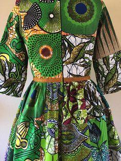 J'adore cette robe! Vert de couleur préférée? Vérifier! Me fait penser à un jardin? Vérifier! Coupe flatteuse avec une taille de guêpe? Vérifier! Gros ol fleur sur l'épaule? Vérifier! Patchwork extraordinaire fait à la main? Vérifier! Après avoir examiné un travail extraordinaire sur le blog mode de LaPassione Voutee, il m'avait assis là à essayer de venir avec une idée qui n'était pas un rip off et a été fidèle à la les choses que j'aime africain. Je pense qu'il englobe tout ce…