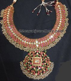 How Clean Gold Jewelry Pearl And Diamond Necklace, Bold Necklace, Diamond Choker, Emerald Necklace, Diamond Jewellery, Collar Necklace, Clean Gold Jewelry, Indian Wedding Jewelry, Gold Jewellery Design