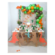 #festadinossauro - Instagram photos and videos | WEBSTAGRAM Dinosaur Party, Dinosaur Birthday, Themed Parties, Party Themes, Tiki Party, Candy, Photo And Video, Desserts, Instagram