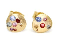 Medium Crystal Stud Earrings with Rainbow Sapphires, 18k Gold - Polly Wales -
