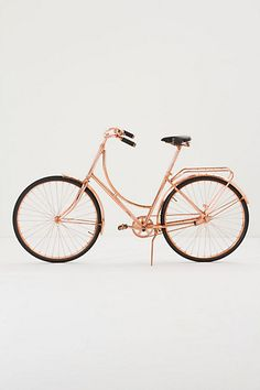 OMG, this copper bicycle. So beautiful! I want it so bad.