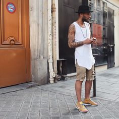 I love the simplicity of this outfit! Super cool!