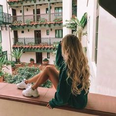 Best Picture For wavy hair color For Your Taste You a Hair Inspo, Hair Inspiration, Story Inspiration, Story Ideas, Fashion Inspiration, Shotting Photo, Poses Photo, Instagram Pose, Disney Instagram