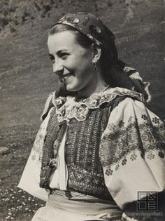 Ján Cifra - Ethnographic festival / Národopisné slávnosti (1956) Folk Costume, Costume Dress, Folk Embroidery, Historical Costume, Vintage Beauty, Folklore, Traditional Outfits, Old Photos, Culture