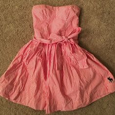 Abercrombie & Fitch strapless dress Super adorable sweetheart neckline dress, casual or dress it up. Brand new! Abercrombie & Fitch Dresses Strapless