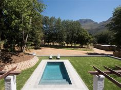 Simonzicht Guest House - Simonzicht Guest House is situated in the Banhoek Valley just outside Stellenbosch, the ideal spot to relax, unwind and explore all that the picturesque Cape Winelands has to offer. The Guest House offers . Somerset West, Outdoor Pool, Outdoor Decor, House Map, Space Place, Luxury Accommodation, Mountain View, Weekend Getaways, Bed And Breakfast