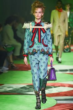 699a5bc792ca5 グッチ(GUCCI)2017年春夏コレクション Gallery110 Trendy Fashion