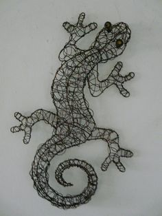 contemporary-metal-wall-art-copper-coloured-wire-gecko-lizard--2341-p.jpg (480×640)