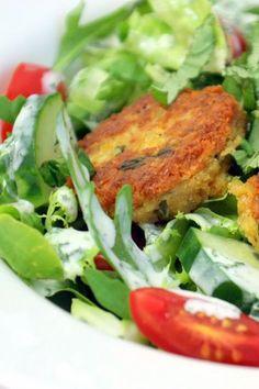 Linsentaler auf Salat
