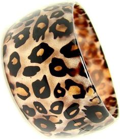 quenalbertini: Leopard Cuff discovered by Leopard Fashion, Animal Print Fashion, Fashion Prints, Motif Leopard, Cheetah Print, Leopard Prints, Fashion Mode, Fashion Art, Fashion News
